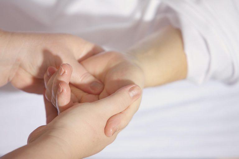 טיפול בעור יבש