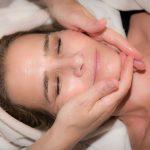 לומדים לעומק על עור פנים שומני