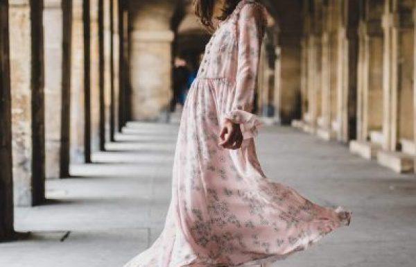 החיפוש אחר שמלה לערב יוצא לדרך